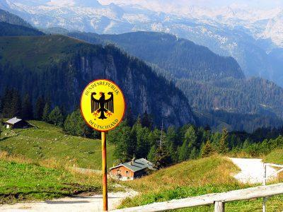 Auf einer Zugfahrt durch die Alpen