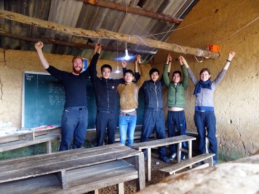 Licht verändert Leben – 100 Solaranlagen für Schulen