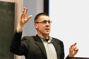 Niko Paech auf einer Veranstaltung zur Postwachstumsökonomie (2011); CC BY 3.0, Marcus Sümnick