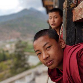 Mönch-Studenten in Paro, Bhutan. Bild: Riken Patel, CC0, Unsplash