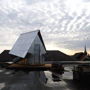 Das Penthouse auf einem Dach in Berlin Neukoelln , Juli 2019, Foto: J Wirth