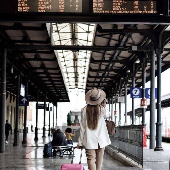 Urlauberin in Bologna, Bild: Danjiela Prijovic, CC0 unplash